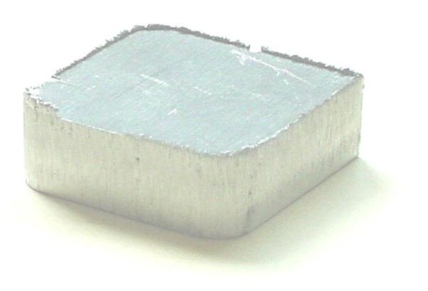 алуминиев детайл с шлака